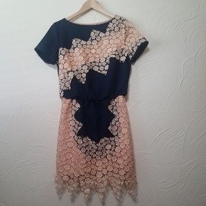 GUCCI cream lace over navy blue dress size small